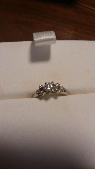 【シャネル(CHANEL)の口コミ】 星のモチーフが可愛く、とても気に入りました! 真ん中のダイヤのまわりに…
