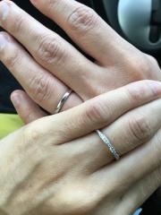 【フォーエバーマーク(FOREVERMARK)の口コミ】 結婚指輪はダイヤがはいったハーフエタニティタイプが良いと思って選んでい…