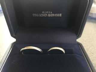 【銀座ダイヤモンドシライシの口コミ】 婚約指輪との相性がいいものを選びました。ストレートラインでダイヤがと…