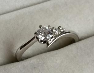 【VANillA(ヴァニラ)の口コミ】 相手からサプライズで指輪をもらったので、決め手はわからない。ただ、い…