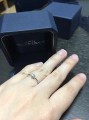 【銀座ダイヤモンドシライシの口コミ】 ダイヤの輝きが他のお店よりもよかったです。また指のフィット感もよく、形…