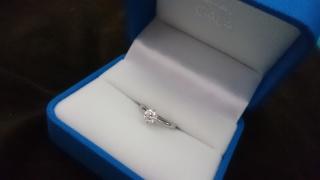 【ガラOKACHIMACHIの口コミ】 探し始める際に婚約指輪定番のブランドショップへ何店舗か足を運びました…