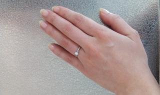 【ESTELLE(エステール)の口コミ】 ダイヤの切り方が綺麗で、どこにいてもキラキラと輝いて見える点が気に入…