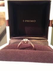 【アイプリモ(I-PRIMO)の口コミ】 かわいらしいハートのデザインで、光が下からも入るため、ダイヤがより一…