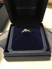 【銀座ダイヤモンドシライシの口コミ】 シンプルありながらデザイン性もありすごくかっこよく感じたから。また流…