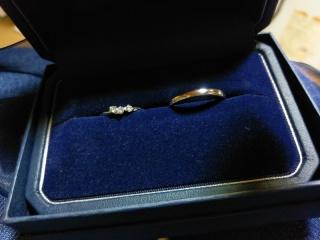 【銀座ダイヤモンドシライシの口コミ】 ダイヤが埋め込まれてるものではなく、立て爪でついてるのが欲しい!と思っ…