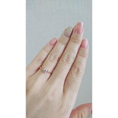【FIRST DIAMOND(ファーストダイヤモンド)の口コミ】 私は普段つけているアクセサリーもゴールドで、シルバーがあまり好きでは…