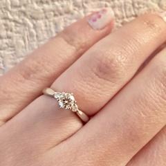 【WATANABE / 宝石・貴金属 渡辺の口コミ】 結婚指輪と重ねてつけても違和感のない、普段から使用できるものを探して…
