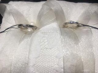 【エクセルコダイヤモンド(EXELCO DIAMOND)の口コミ】 デザインに一目惚れしました。ダイヤ付きで可愛らしいデザインで結婚指輪を…