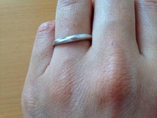 【4℃(ヨンドシー)の口コミ】 夫婦ペアで着用できることがまず第一の決め手でした。また男性用の指輪が艶…