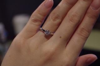 【ガラOKACHIMACHIの口コミ】 ダイヤモンドのグレードと価格を比較した時に良いと思ったから。 中に入っ…