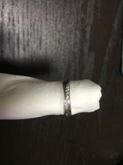 【NINA RICCI(ニナリッチ)の口コミ】 何件かハイブランドの結婚指輪も含めて、検討しに行きました。その中でも、…