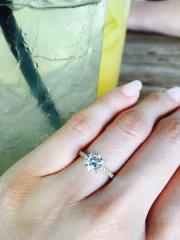 【HASSIN BRIDAL(宝石の八神)の口コミ】 母の婚約指輪をどうしても使いたいが、デザインが古かったのでHASSINさん…