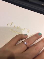 【SIENA(シエナ)の口コミ】 婚約指輪のロゼチナと結晶のデザインが気になっていました。この「結晶」で…