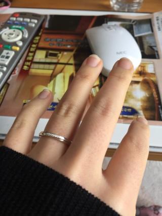 【canal4℃(カナルヨンドシー)の口コミ】 婚約指輪を買う前にペアジュエリーをくれたのですが、つけているうちに思い…