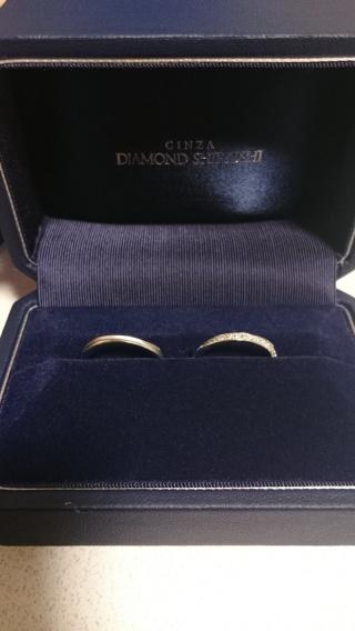 【銀座ダイヤモンドシライシの口コミ】 ダイヤモンドのデザインが素敵だったから。細いラインで斜めに石が入ってい…