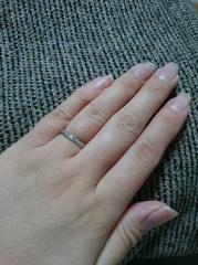 【4℃(ヨンドシー)の口コミ】 細身の指輪が好きで何件かお店を見てまわりましたが、4℃のこちらの指輪が…