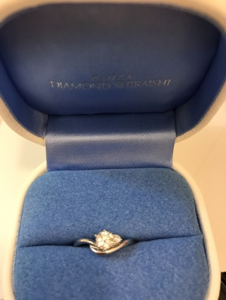 【銀座ダイヤモンドシライシの口コミ】 彼女と一緒に見に行ったので彼女が一番気に入ったものを選びました。 スト…