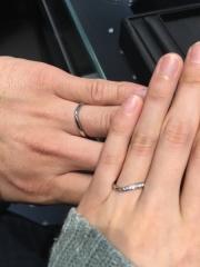 【エクセルコダイヤモンド(EXELCO DIAMOND)の口コミ】 シンプル過ぎず、派手過ぎず、とても指に馴染みました!僕も妻も気に入って…