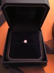 【銀座ダイヤモンドシライシの口コミ】 ダイヤの品質、大きさ。リングのデザイン、お値段で総合的に選びました。…