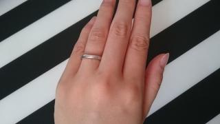 【サマンサティアラブライダル(Samantha Tiara Bridal)の口コミ】 なるべくシンプルなデザインの結婚指輪がいいと思って探していました。  …