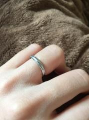 【4℃(ヨンドシー)の口コミ】 最近は、女性用はダイヤが散りばめられていて夫婦雰囲気が別のものが多い…