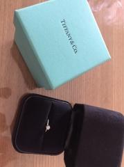 【ティファニー(Tiffany & Co.)の口コミ】 主人が私に内緒で購入してくれたので、名前や詳細は分からないのですが、シ…
