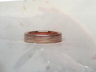 【杢目金屋(もくめがねや)の口コミ】 婚約指輪で木目金屋のリングを先に作っていました。 いろいろと試しました…