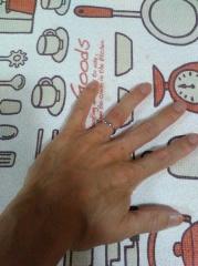 【エクセルコダイヤモンド(EXELCO DIAMOND)の口コミ】 細い指に合う良い指輪だと思いました。 当日、指輪のサイズを間違えてしま…