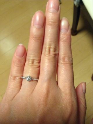 【ICHAROI(イサロイ)の口コミ】 様々な店舗で試着した中で一番指にしっくりときたので購入しました。ダイ…