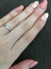 【ヴァンドーム青山(Vendome Aoyama)の口コミ】 指が細く、幅のあるリングだとデザインに負けてしまうので、華奢なデザイン…