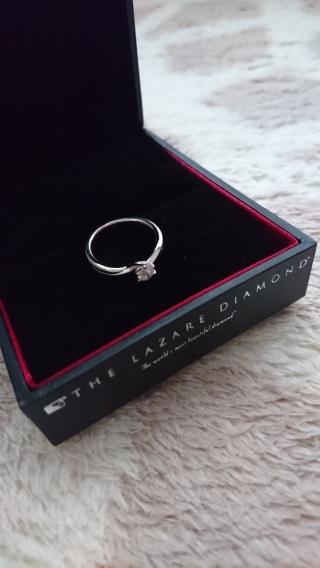 【ラザール ダイヤモンド(LAZARE DIAMOND)の口コミ】 いくつかの台座と宝石をそれぞれカスタマイズで選ぶ方法で購入しました。母…