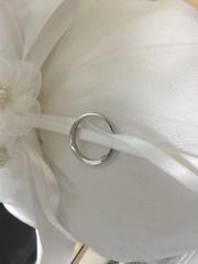 【Preuve(プルーブ)の口コミ】 婚約指輪とかさねづけしたかったので、結婚指輪はあえてシンプルにしまし…