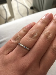 【ブシュロン(BOUCHERON)の口コミ】 当初は婚約指輪と同じブランドのものを購入しようかと思っていましたが、た…