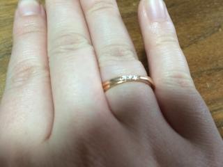 【4℃(ヨンドシー)の口コミ】 婚約指輪としてペアリングを探していました。種類としては10種類ほどあり…