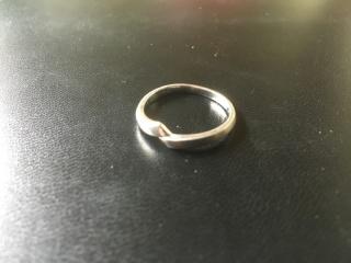 【俄(にわか)の口コミ】 指輪の決め手としては、まずこの圧倒的な見た目です。 最初からさがしてい…