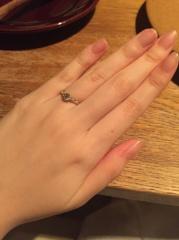 【俄(にわか)の口コミ】 結婚指輪とぴったりなセットリングと悩んだのですが、可愛らしく上品なデザ…