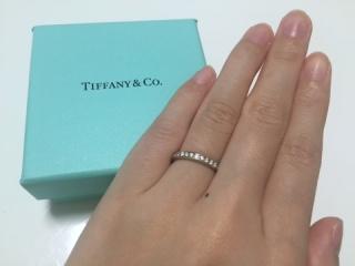 【ティファニー(Tiffany & Co.)の口コミ】 一粒石のものと非常に迷いましたが、引っ掛かりが心配だったのでこちらの…
