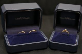 【銀座ダイヤモンドシライシの口コミ】 結婚指輪と婚約指輪を重ねて着けた時の一体感や見た目。歳をとったときを考…