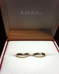 【Katamu(カタム)の口コミ】 結婚25周年の記念に新しく指輪を新調しようということで、丈夫な作りの指…