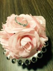 【TRECENTI(トレセンテ)の口コミ】 お花ダイヤのデザインが気に入って、ペンダントは自分で、指輪は婚約指輪と…