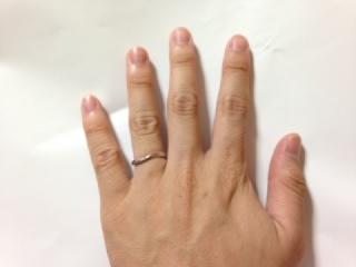 【ヴァンドーム青山(Vendome Aoyama)の口コミ】 指が短いのがコンプレックスだったのですが、着用したときにVの字のデザイ…