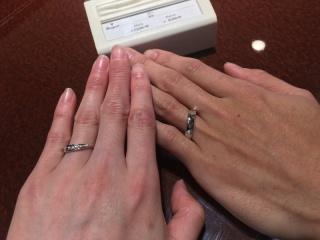【JEWELRY  KAMATA(ジュエリーかまた)の口コミ】 試着させて頂いた際の指輪です。 リングのラインがしなやかで、指にしっか…