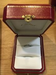 【カルティエ(Cartier)の口コミ】 婚約指輪を少し奮発して購入したので、結婚指輪は予算ありきで定番のもの…