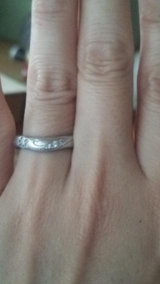 【天久加工所の口コミ】 結婚指輪というと細くてシンプルなものばかりが販売されててどれも一緒だな…