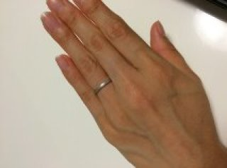 【ティファニー(Tiffany & Co.)の口コミ】 結婚指輪を夫にもつけて欲しかったのでとにかく普段つけていても違和感の…