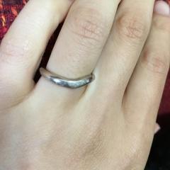 【俄(にわか)の口コミ】 和風な印象のある俄の指輪デザインはどれも素敵でしたが、特にシンプルなも…