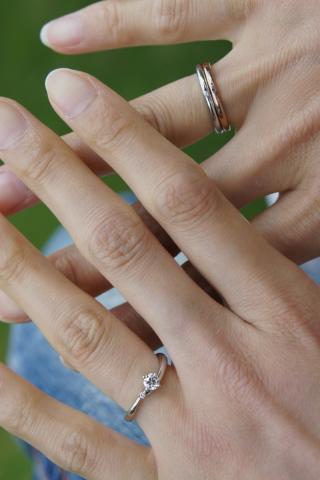 【COLANY(コラニー)の口コミ】 装着時、自分の指がとても綺麗に見えたのが決め手でした。一般の女性より手…