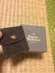 【Vivienne Westwood(ヴィヴィアン・ウエストウッド)の口コミ】 主人がプロポーズの際に自分で選んで購入してくれたものなので、決め手は予…