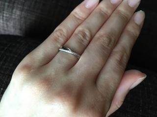 【Mariage(マリアージュ)の口コミ】 結婚指輪はシンプルながらもダイヤのキラキラ感があるものがよかったので、…
